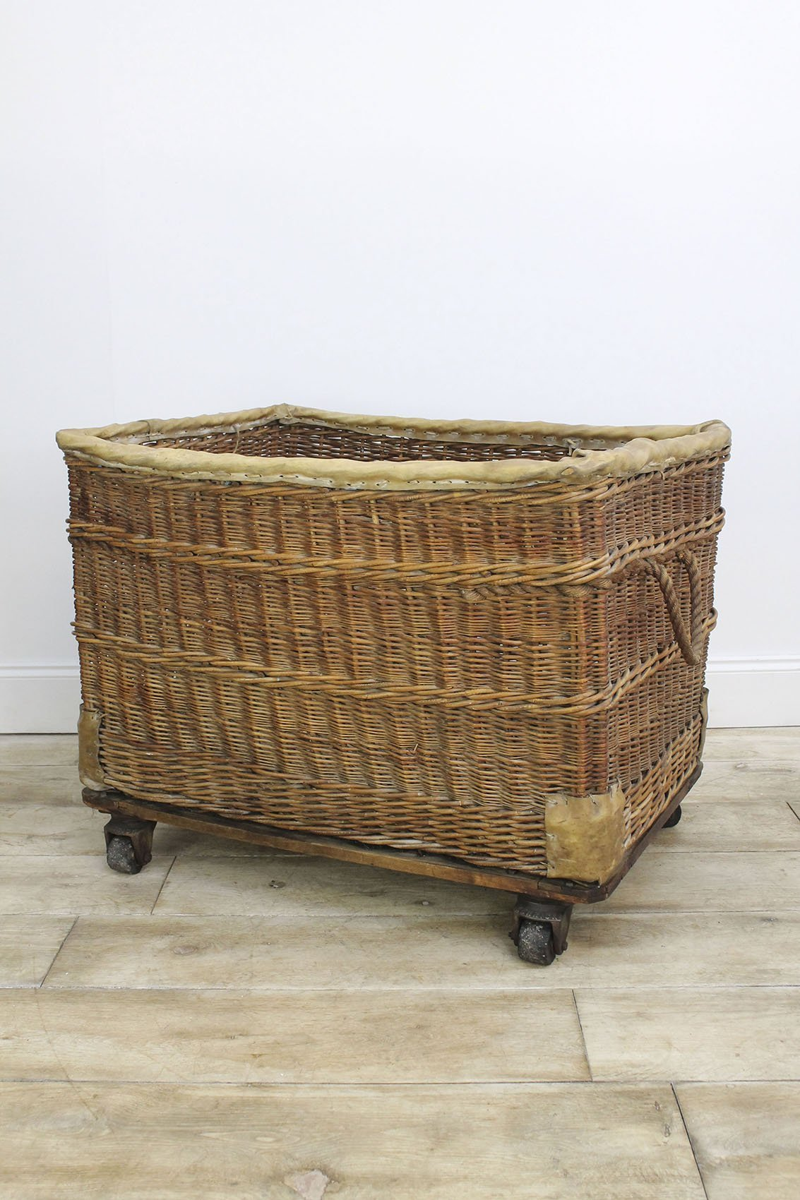 Large Antique Ministry Of Defence Wicker Trolley Cooling