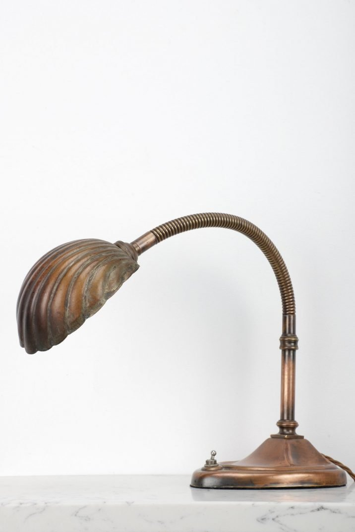ART DECO GOOSE NECK CLAM SHELL LAMP - COOLING & COOLING