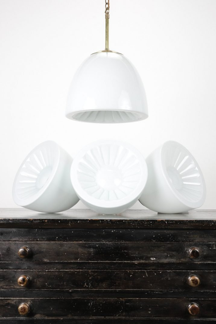 DECORATIVE OPALINE PENDANT LIGHTS - COOLING & COOLING