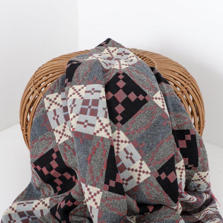 Vintage Welsh Tapestry Blanket - Black/red/grey - Cooling & Cooling