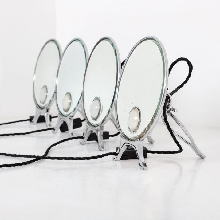 Illuminated Vanity Mirror By Harcourts Of London - Cooling & Cooling