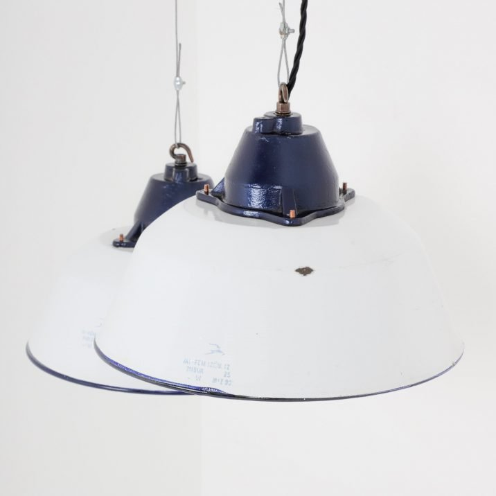 Vintage Hungarian Industrial Pendant Lights - Cooling & Cooling