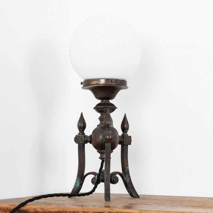 ANTIQUE GOTHIC TABLE LAMP 2 Cooling & Cooling