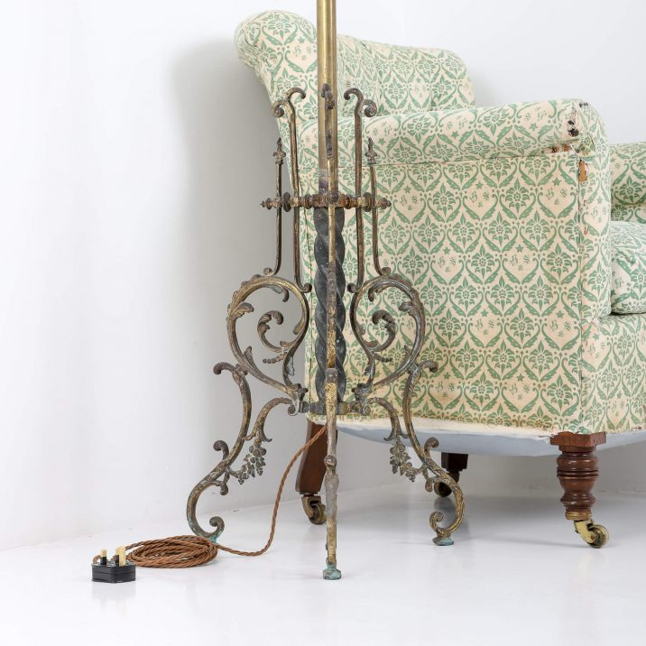 VICTORIAN FLOOR LAMP 3 Cooling & Cooling