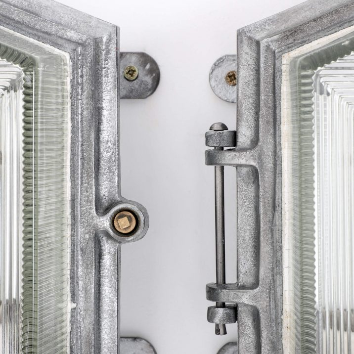 ART DECO INDUSTRIAL BULKHEAD LIGHTS BY MAXLUME 3 Cooling & Cooling
