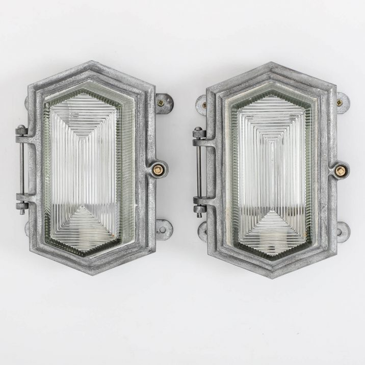 ART DECO INDUSTRIAL BULKHEAD LIGHTS BY MAXLUME 7 Cooling & Cooling