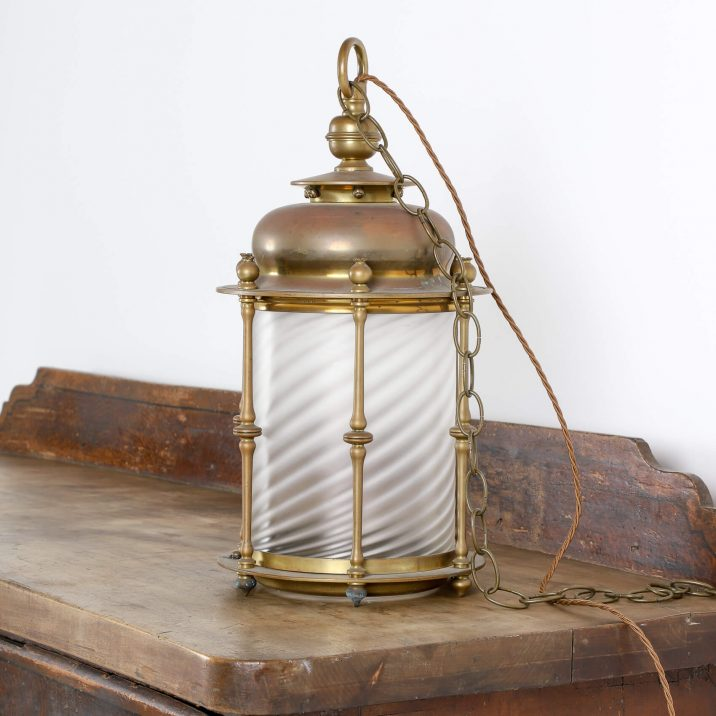 ENGLISH COUNTRY HOUSE LANTERN 1 Cooling & Cooling