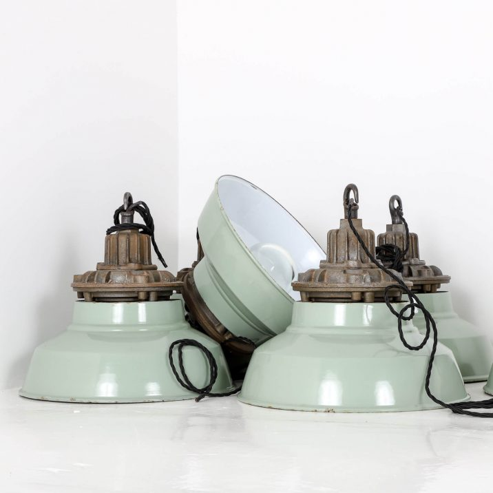 INDUSTRIAL DUCKEGG PENDANT LIGHS BY MAXLUME 2 Cooling & Cooling