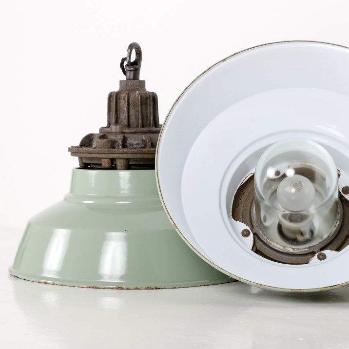 INDUSTRIAL DUCKEGG PENDANT LIGHS BY MAXLUME 6 Cooling & Cooling