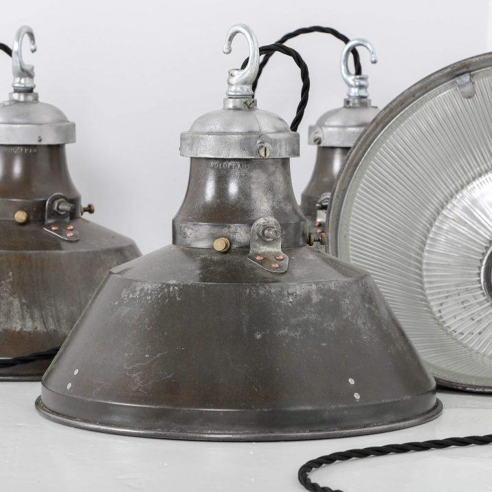 VINTAGE INDUSTRIAL HOLOPHANE PENDANT LIGHT 5 Cooling & Cooling