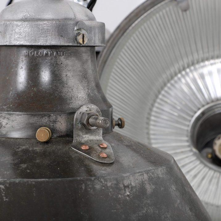 VINTAGE INDUSTRIAL HOLOPHANE PENDANT LIGHT 6 Cooling & Cooling