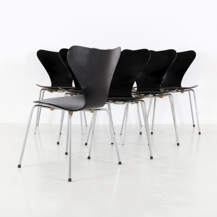 FRITZ HANSEN SERIES 7 CHAIRS 1 Cooling & Cooling