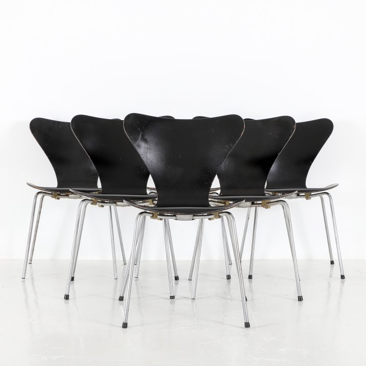 FRITZ HANSEN SERIES 7 CHAIRS 2 Cooling & Cooling