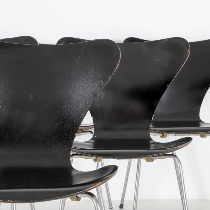 FRITZ HANSEN SERIES 7 CHAIRS 3 Cooling & Cooling