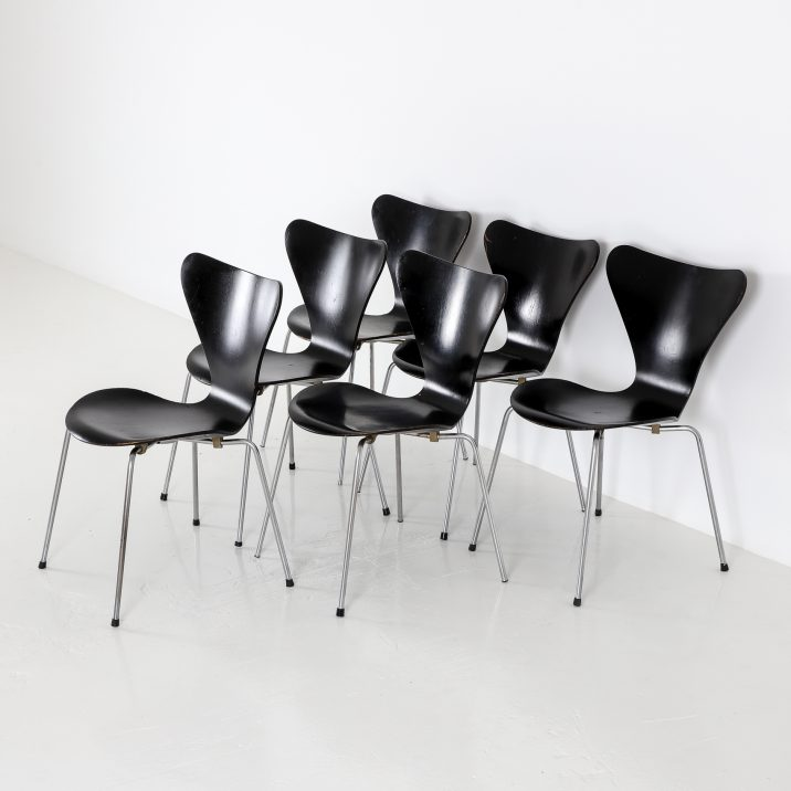 FRITZ HANSEN SERIES 7 CHAIRS 4 Cooling & Cooling