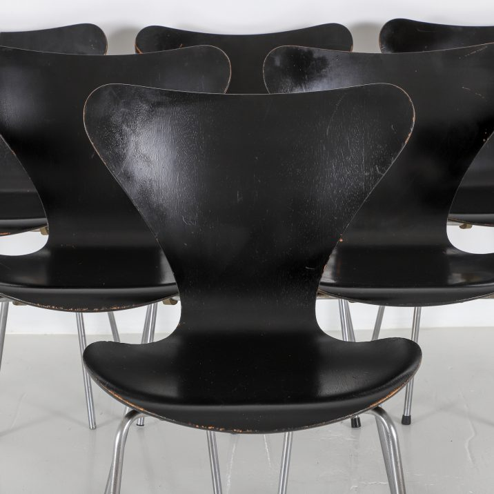 FRITZ HANSEN SERIES 7 CHAIRS 5 Cooling & Cooling