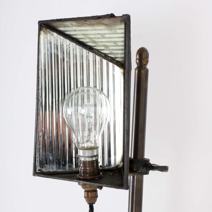 VICTORIAN PHOTOGRAPHIC LAMP STAND 12 Cooling & Cooling