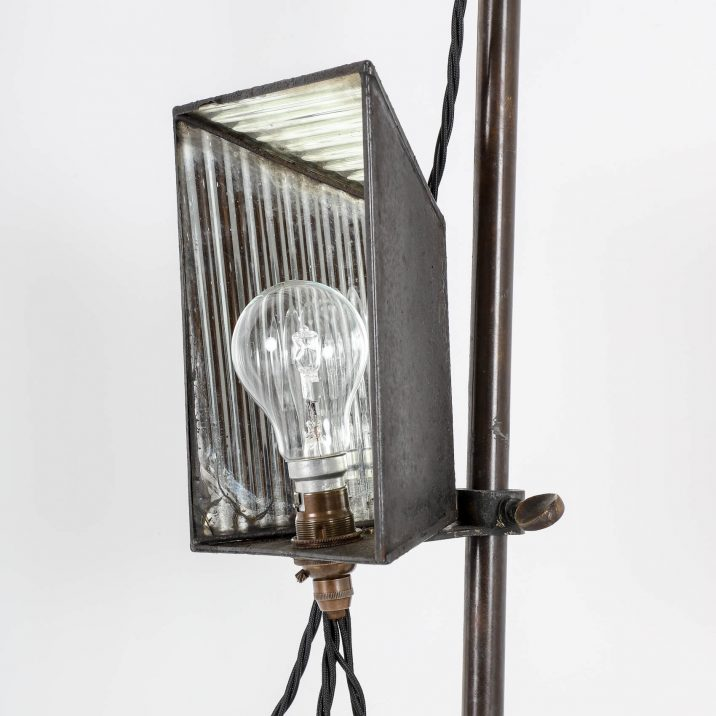 VICTORIAN PHOTOGRAPHIC LAMP STAND 4 Cooling & Cooling